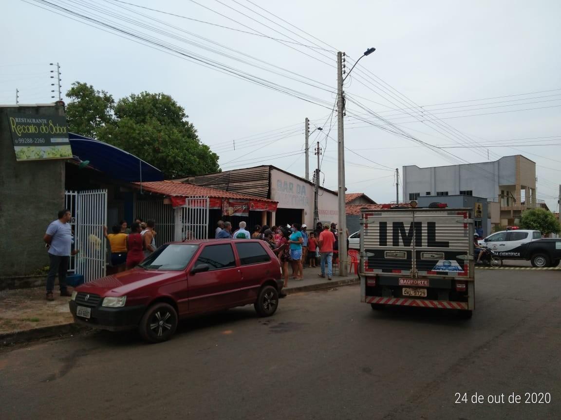 Homem é assassinado a tiros em bar no centro de Araguaína