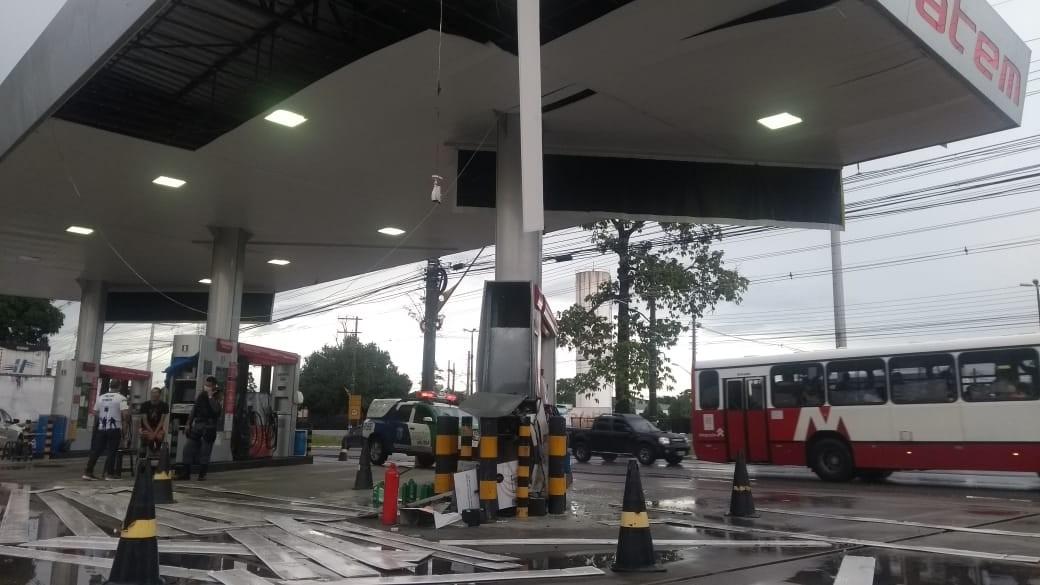 Grupo rende frentistas e explode cofre de posto de gasolina em Manaus