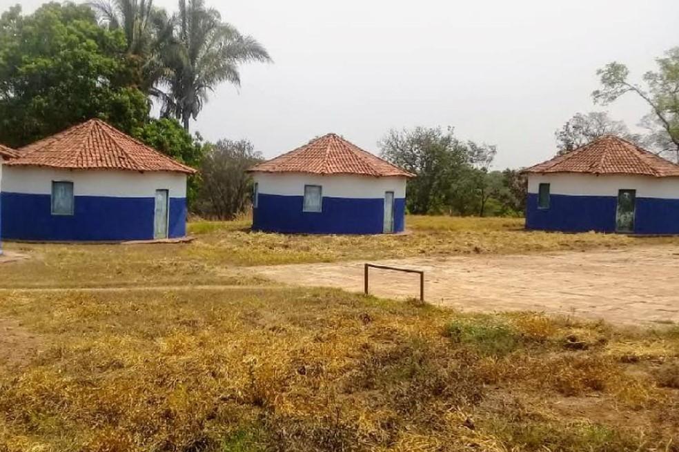 A construção da Escola Estadual José Mariano, na Comunidade do Baixius, está parada. O prazo era setembro de 2011 — Foto: Secom/MT
