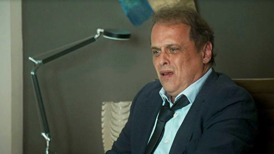 Norberto descobre que foi roubado por Valéria: 'Desgraçada!'