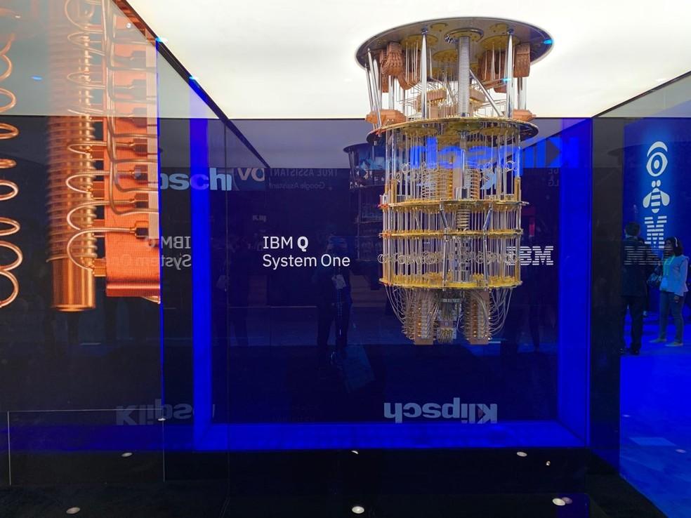 O 'Lustre', como é chamado o computador quântico da IBM, não é vendido pela empresa, apenas sua capacidade de processamento. — Foto: Thiago Lavado/G1
