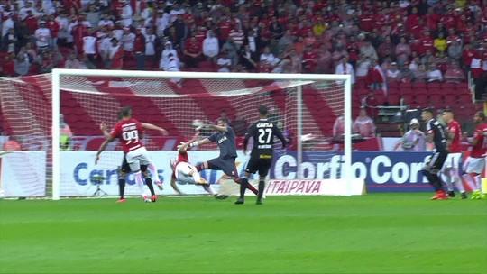 """Marco Antônio pede para time tirar lições da derrota fora: """"Jogo para lembrar"""""""