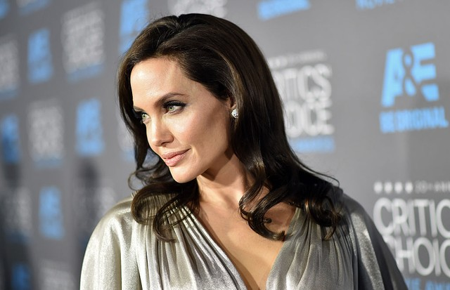 LOS ANGELES, CA - JANUARY 15:  Director/actress Angelina Jolie attends the 20th annual Critics' Choice Movie Awards at the Hollywood Palladium on January 15, 2015 in Los Angeles, California.  (Photo by Michael Buckner/Getty Images for BFCA) (Foto: Getty Images)