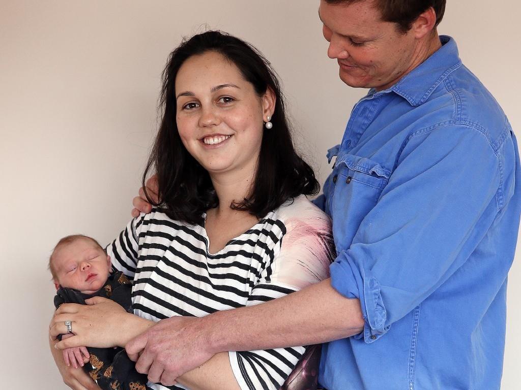 A mãe viajou por seis horas em trabalho de parto (Foto: Reprodução/ The Sunday Telegraph)