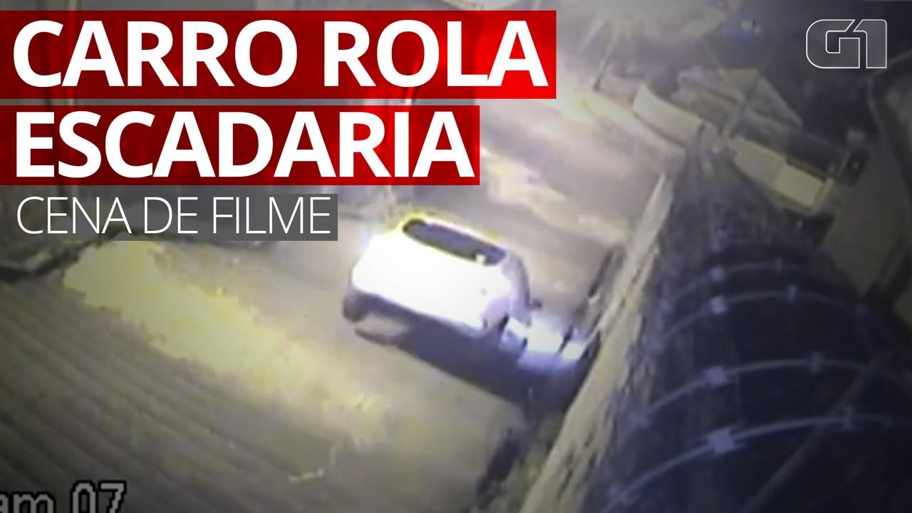 Vídeo mostra momento em que carro rola escadaria no Rio