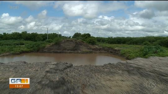 Moradores esperam há mais de um ano a reconstrução da Ponte Rio Pequi em Bodocó, Sertão de PE