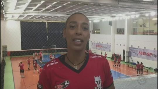 Jogadora mais velha da Superliga, líbero Arlene seguirá no Sesi-Bauru