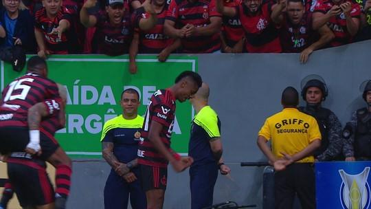 Gabigol puxa fila do Flamengo na seleção da rodada #15 do Cartola, que também tem Dani Alves