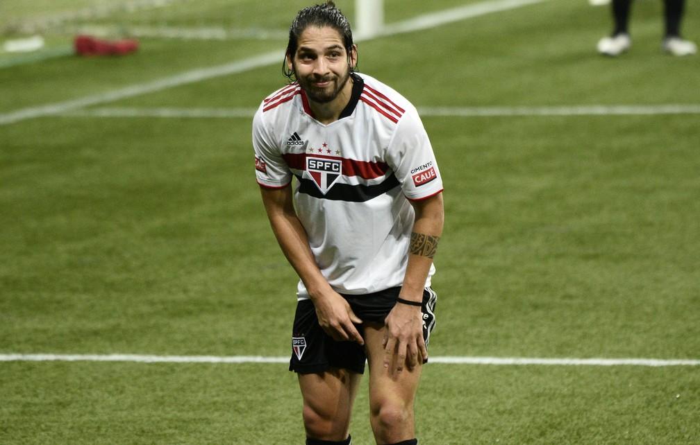 Com temor de lesões, São Paulo dosa desgaste, e Benítez joga apenas 48 minutos por partida   são paulo   ge