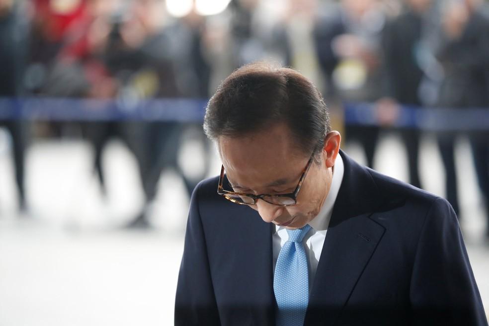 -  Ex-presidente sul-coreano Lee Myung-bak esteve na Procuradoria-Geral, em Seul, nesta quarta-feira  14   Foto: Kim Hong-Ji/ Reuters