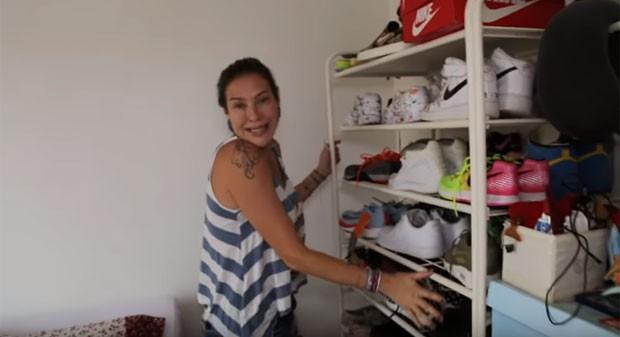 Luana exibe coleção de tênis do marido (Foto: Reprodução)