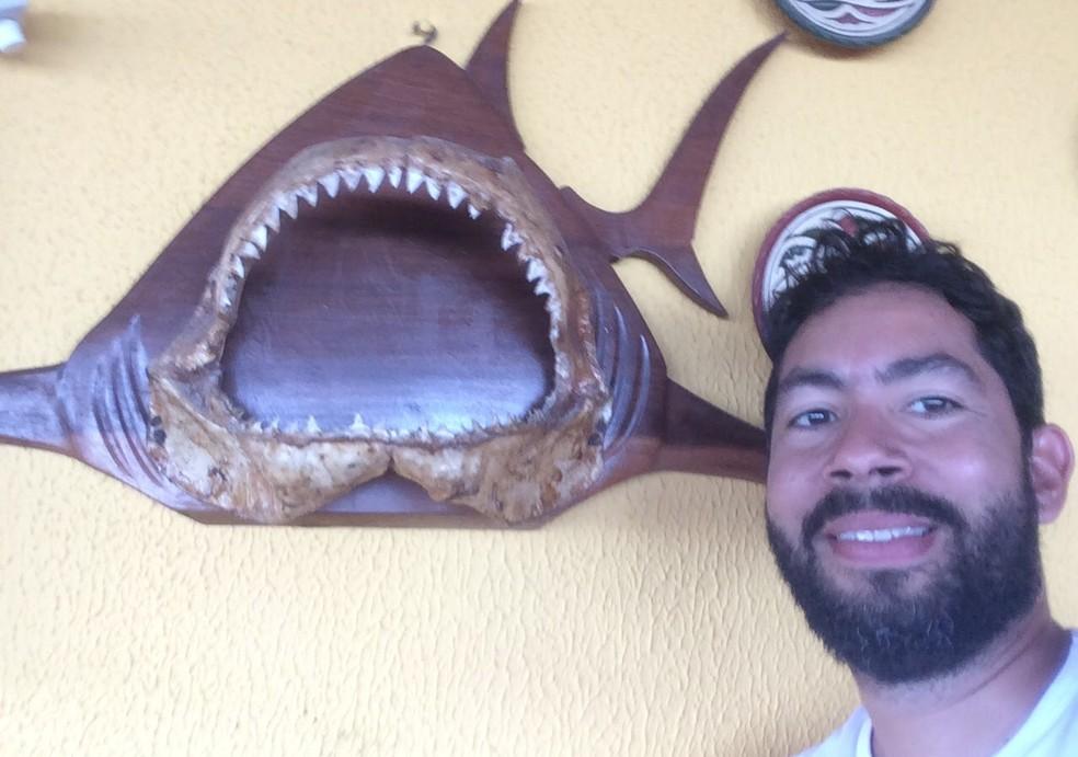 Professor Jorge Luiz contou que a identificação dos tubarões só foi possível com a ajuda de análise de DNA (Foto: Arquivo Pessoal)