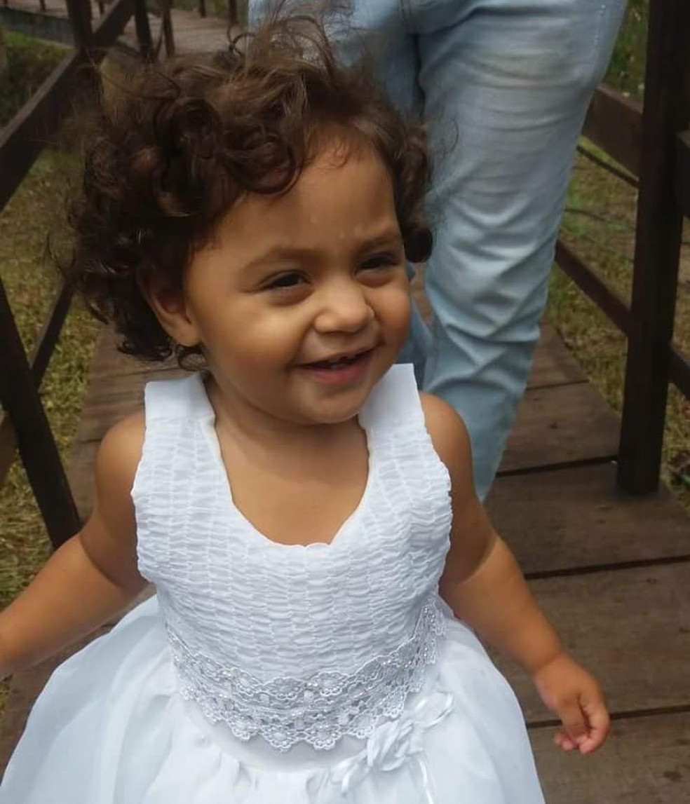 Paula Isamara Mendes tinha 2 anos de idade e foi vítima de bala perdida em Parnamirim, na Grande Natal (Foto: Arquivo da família)