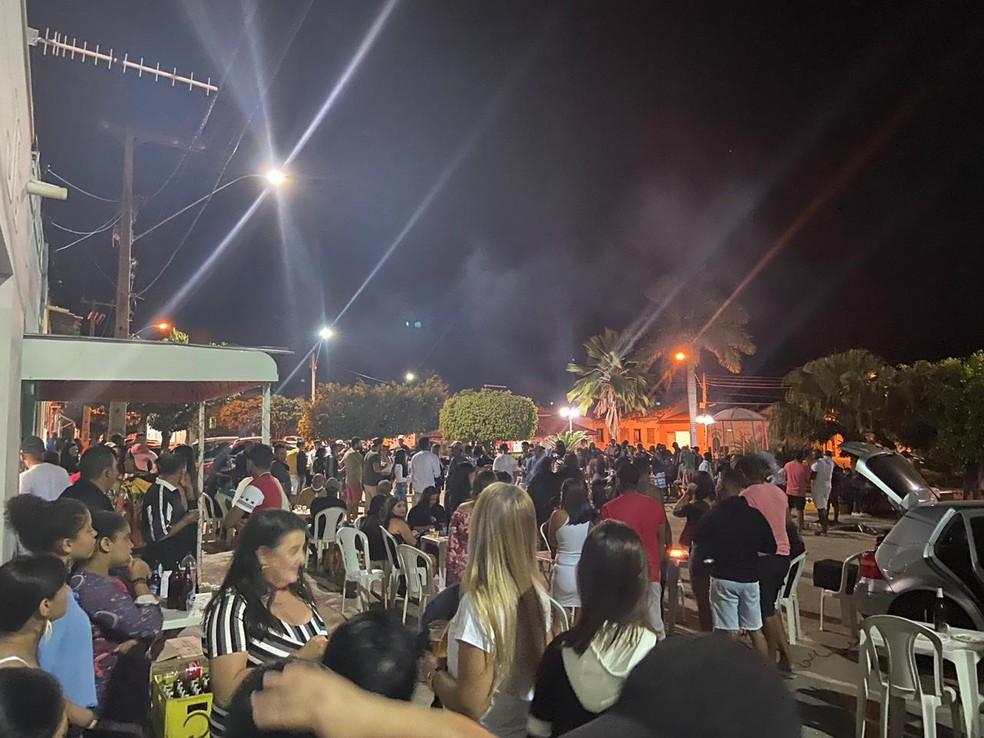 Moradores na região da Chapada Diamantina se aglomeram em festa ao ar livre — Foto: Arquivo Pessoal