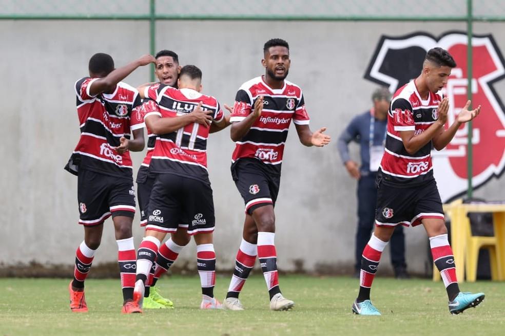 Santa Cruz estreou na Copa Pernambuco no último sábado — Foto: Marlon Costa/ Pernambuco Press