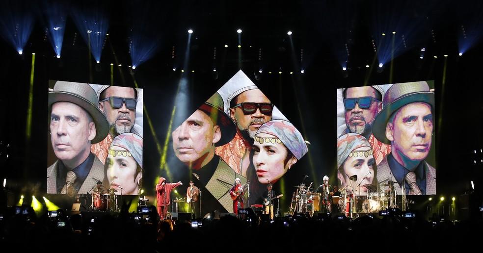 Tribalistas perpetuam o show da primeira turnê em álbum ao vivo produzido pelo próprio trio — Foto: Leo Aversa / Divulgação
