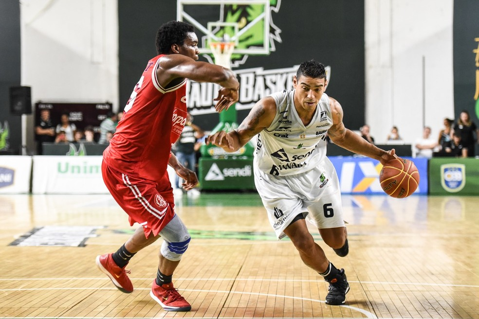Bauru conseguiu controlar o Paulistano e bolas de três do time da capital  (Foto: Victor Lira/Bauru Basket)