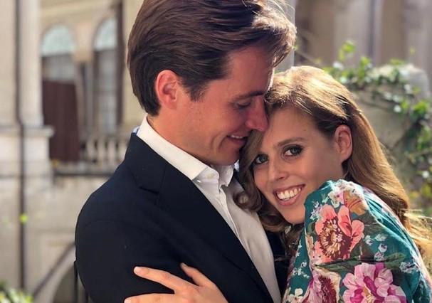 Princesa Beatrice anuncia noivado com milionário italiano  (Foto: Reprodução/Instagram )
