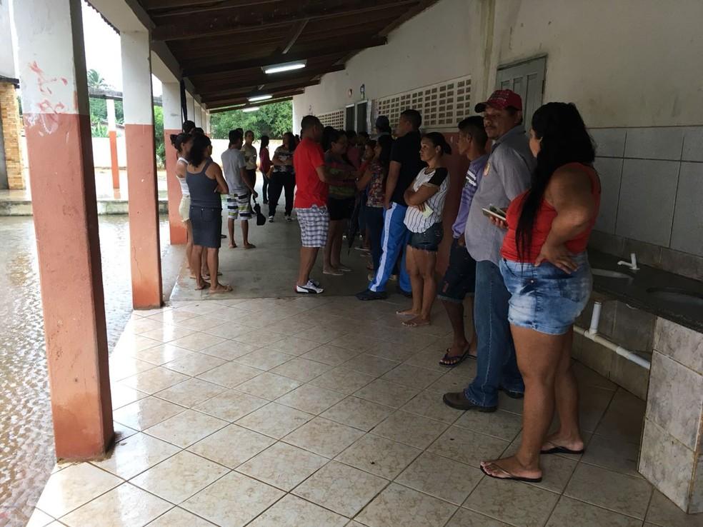 Eleitores de Parazinho, RN, foram às urnas neste domingo (3) escolher novo prefeito (Foto: Emmily Virgílio/Inter TV Cabugi)