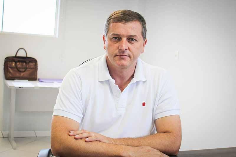 Prefeito de Itapuca baleado em gabinete é transferido para CTI, afirma hospital
