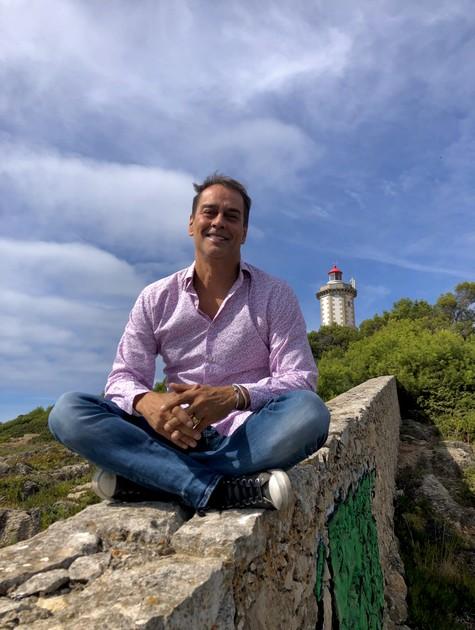 Marcello Antony em Cascais, em Portugal (Foto: Lucas Villar)