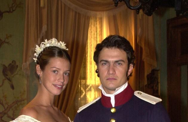 Gabriel e Luana Piovani foram par romântico em 'O quinto dos infernos', minissérie da Globo (Foto: Divulgação/TV Globo)