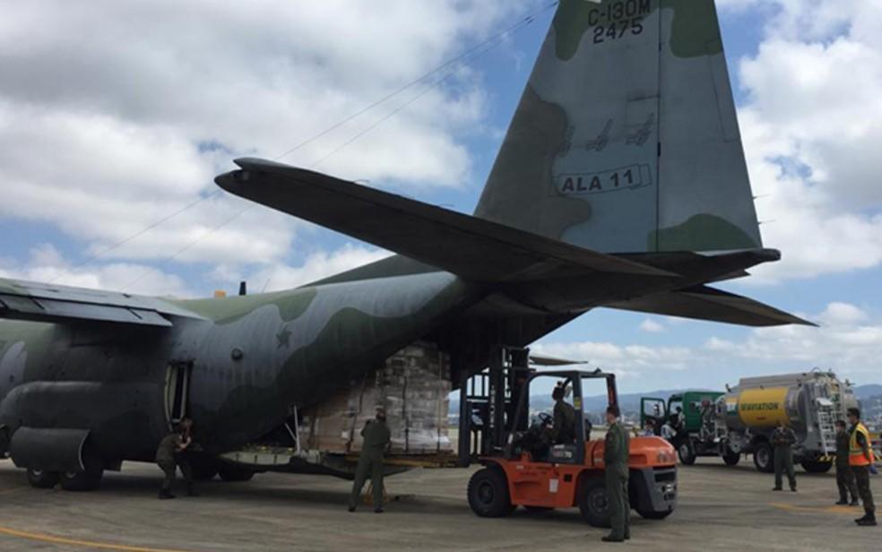 Avião da FAB transporta 13 mil testes rápidos para diagnosticar Covid-19 — Foto: FAB/Divulgação