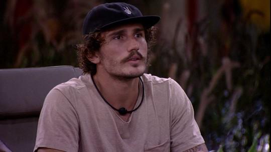 Tereza questiona Alan sobre ser chamada de figurante e brother responde: 'Foi vilão'