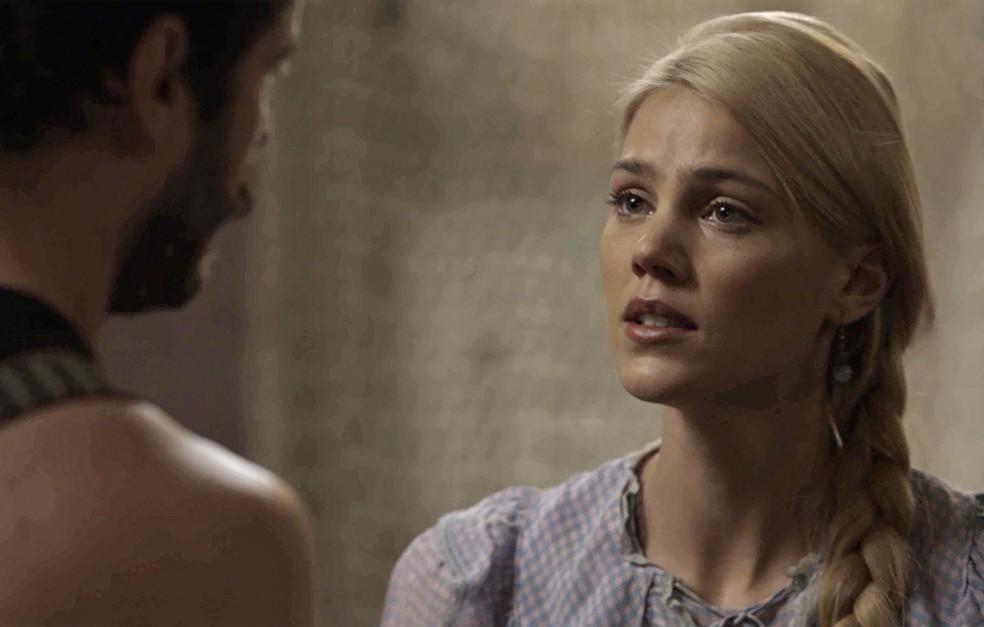 Jane não aceita as desculpas de Camilo  (Foto: TV Globo)