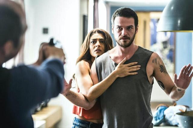 Juliana Paes (Bibi) e Emilio Dantas (Rubinho) em cena de 'A força do querer' (Foto: Reprodução)