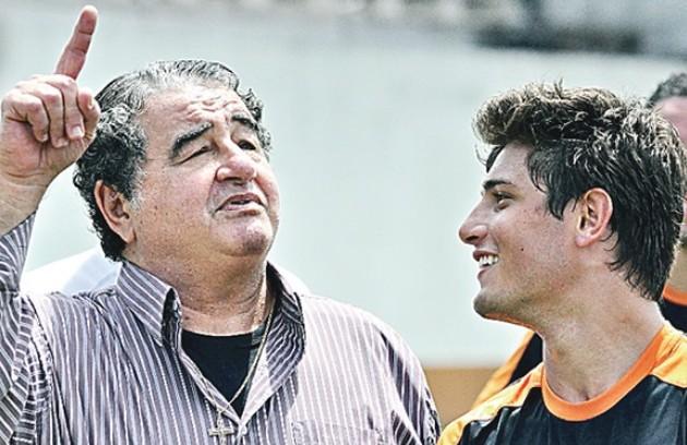 Otávio Augusto (Diógenes) prefere as cenas do Divino Futebol Clube: 'O público vibrava com as falcatruas' (Foto: Divulgação/TV Globo)