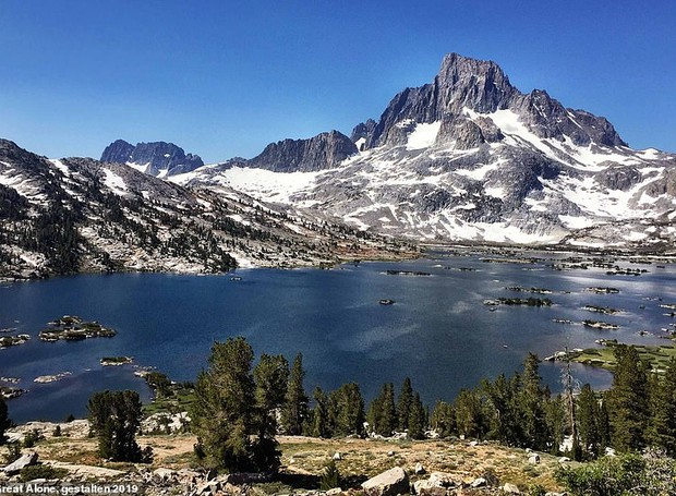 Thousand Island Lake, logo após a cidade de Mammoth Lakes, na Califórnia (Foto: Twitter/ Reprodução)