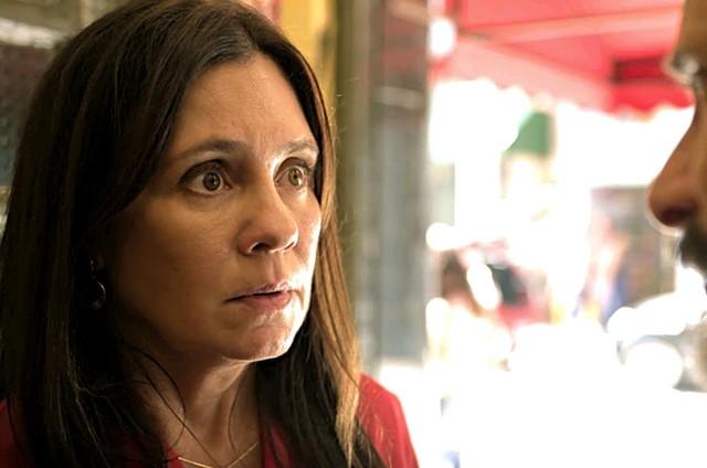 Adriana Esteves é Thelma em 'Amor de mãe' (Foto: Reprodução)