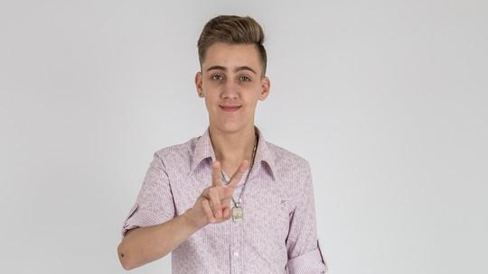 Conheça Luis Henrique Schultz, participante do 'The Voice Kids'