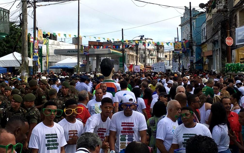 Público lota região da Lapinha da festa da Independência do Brasil na Bahia — Foto: Alan Oliveira/G1