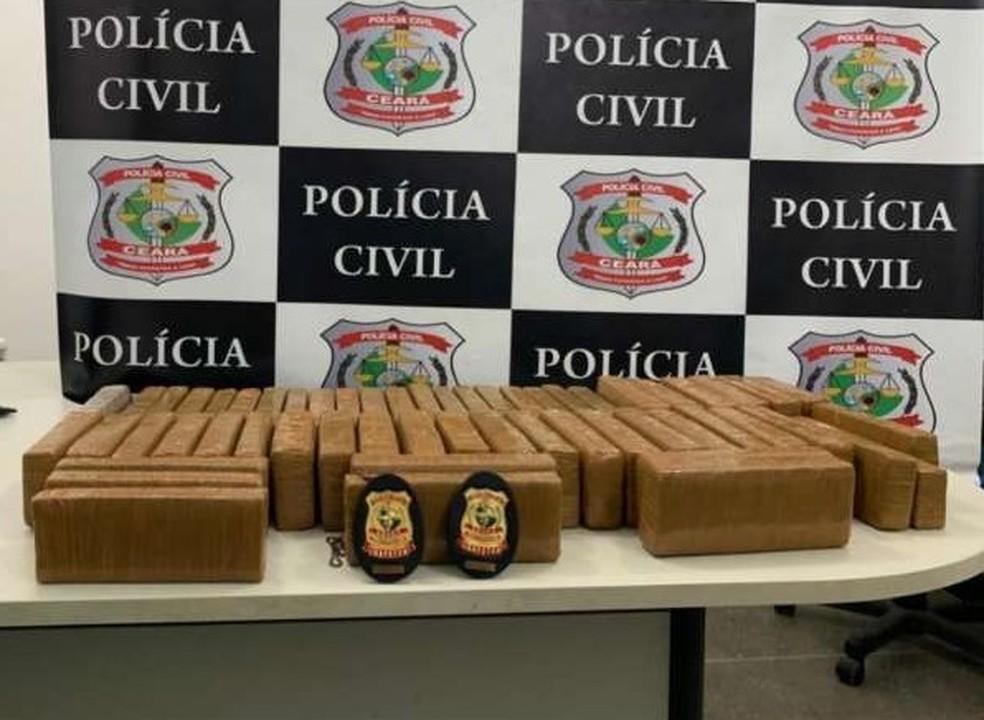 Todo o material apreendido foi levado para a Delegacia de Roubos e Furtos de Veículos e Cargas (DRFVC) — Foto: Divulgação