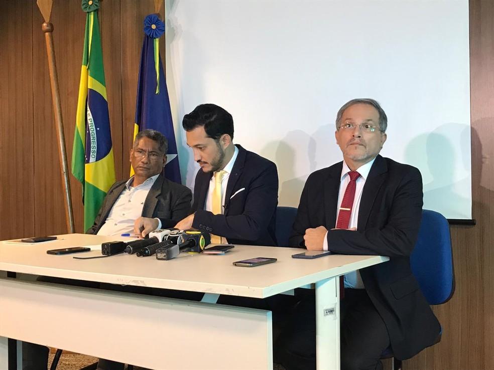 Secretário de Saúde e Educação falam com imprensa sobre medidas do governo contra o coronavírus — Foto: Ana Kézia Gomes/G1