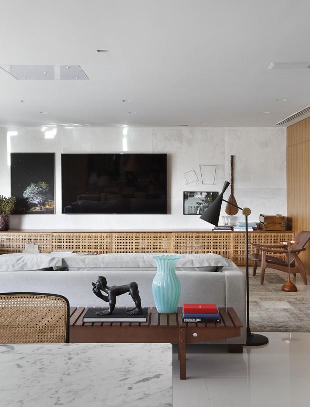 10 salas com aparador de sofá (Foto: Denilson Machado)
