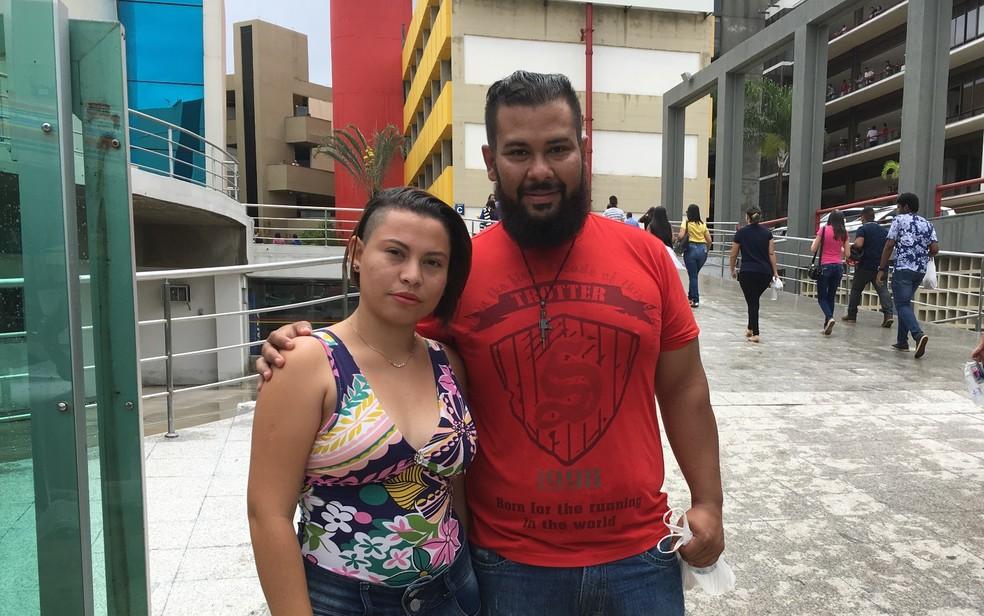-  Joelber e Wanessa chegam cedo para segundo dia de provas em Goiânia  Foto: Vitor Santana/G1