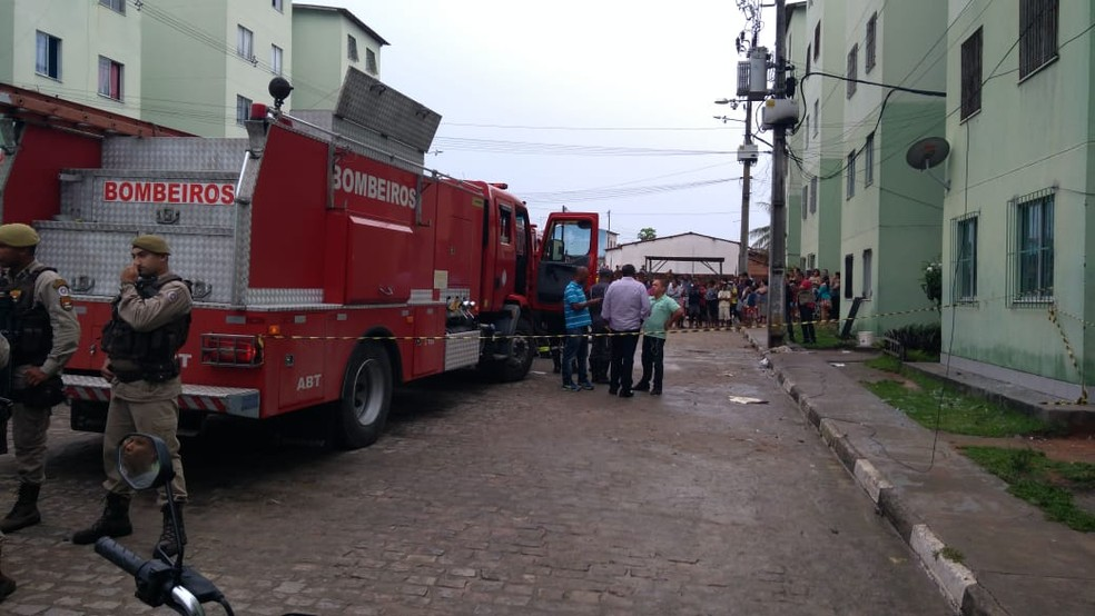 Incêndio aconteceu em Feira de Santana, cidade cerca de 100km de Salvador — Foto: Bombeiros Militares