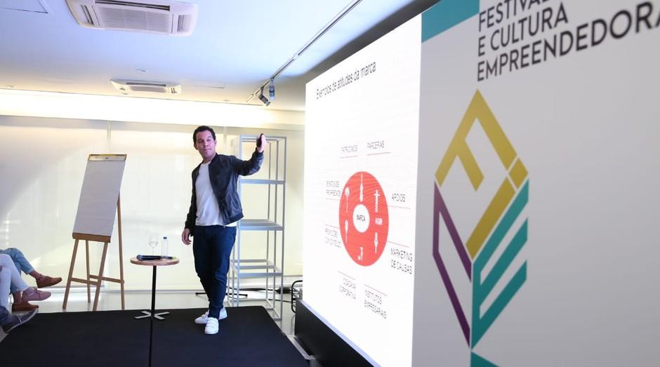 Lucas Foster, cofundador da ProjectHub, durante o FICE 2018 (Foto: Alexandre DiPaula)