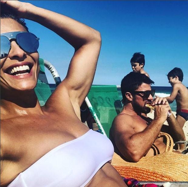 Juliana Paes com o marido, Dudu, e os filhos, Pedro e Antônio (Foto: Reprodução Instagram)