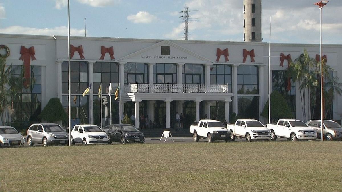 Sindicatos de servidores cobram do governo de RR pagamento de salários