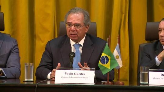 Brasil e Argentina assinam acordo automotivo que prevê livre comércio só a partir de 2029
