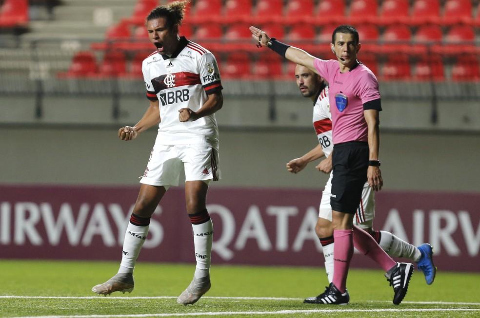 Willian Arão comemora gol de empate do Flamengo — Foto: Staff images / Conmebol