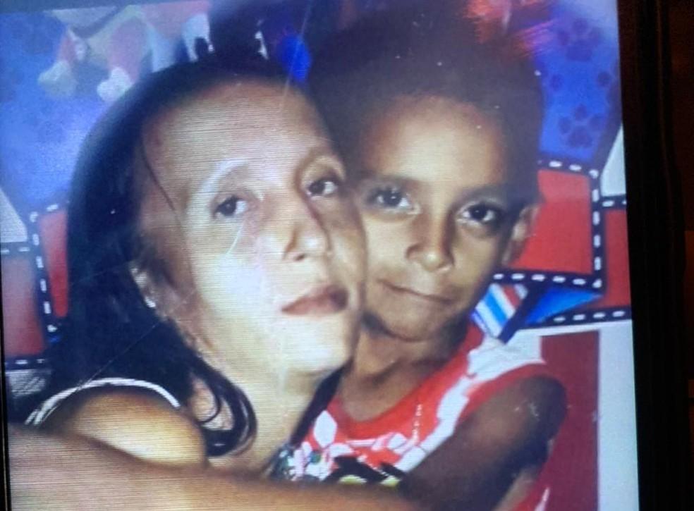 Mãe e filho foram encontrados mortos em loteamento de Porto Velho. — Foto: Reprodução/Arquivo pessoal