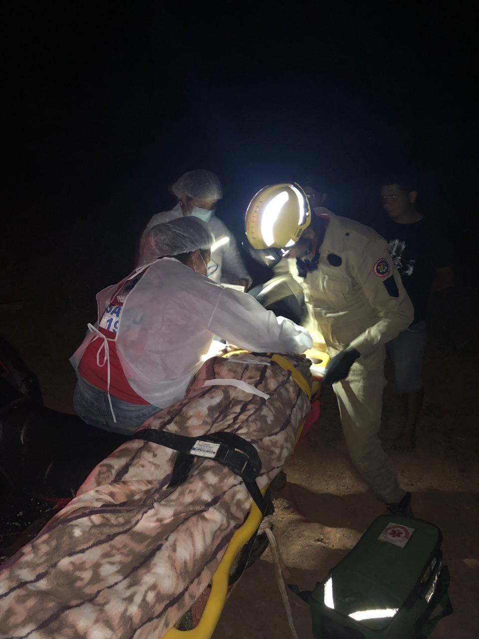 Máquina agrícola capota com família e jovem de 18 anos morre no interior do Acre