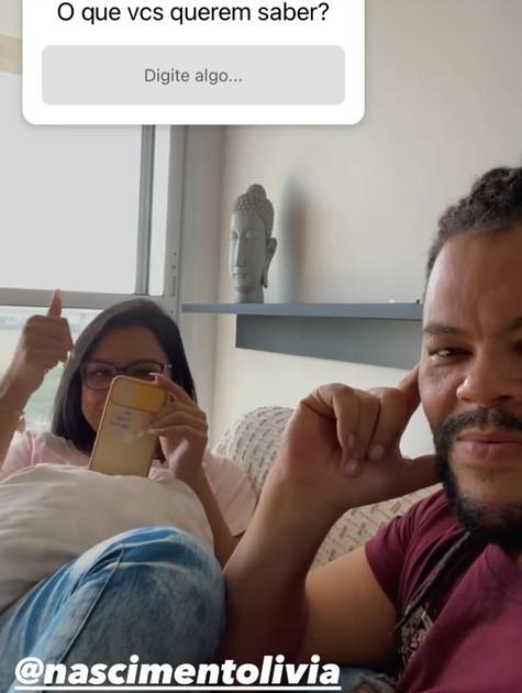 Babu Santana com a namorada (Foto: Reprodução)