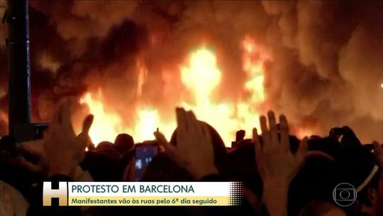 Manifestantes protestam em Barcelona