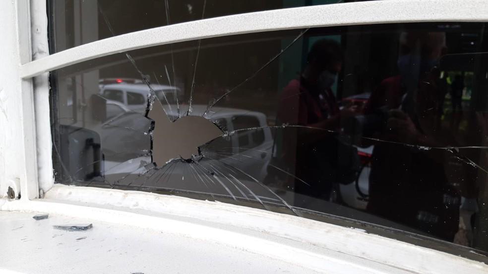 Homem tentou invadir associação médica de Piracicaba atrás da ex-mulher — Foto: Edijan Del Santo/EPTV